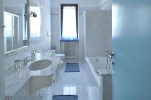 bathroom | B&B Montegallo